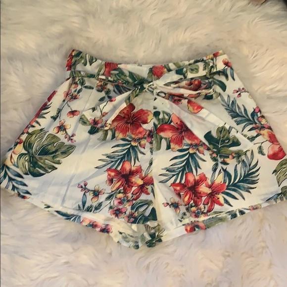Lush Pants - Lush Tropical Shorts Medium NWT